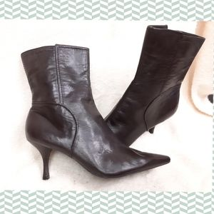 Leather boots pointy toe Nine West